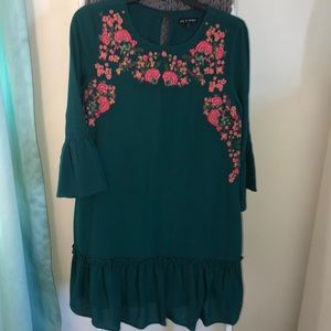 NWOT embroidered detail dress